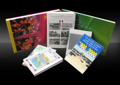 Cataloghi e libri rilegati filo refe e cartonati