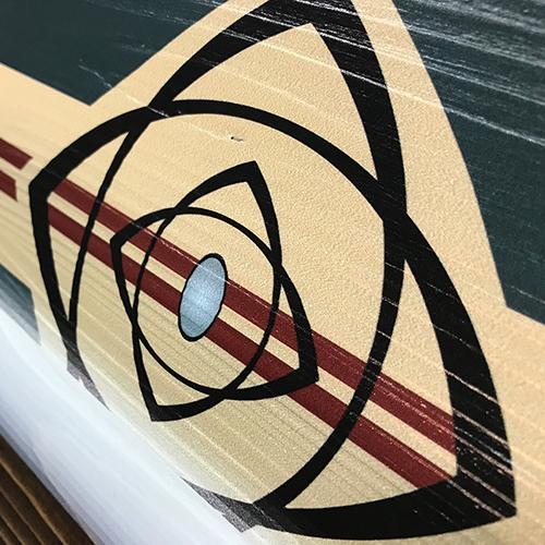 Stampa diretta su legno con bianco serigrafico